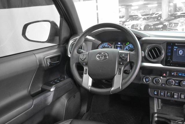 Pre-Owned 2019 Toyota Tacoma Limited Double Cab 5' Bed V6 AT